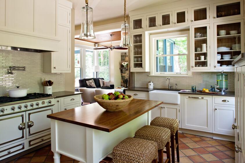 Dura Supreme Cabinetry kitchen design by Sandy Brannock and Cynthia Alsaif-Barthello of NVS Kitchen & Bath Inc.
